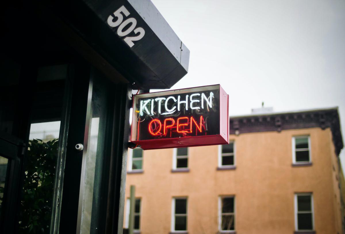 Les ghost kitchens prennent d'assaut les villes belges, Unsplash - Patrick Tomasso