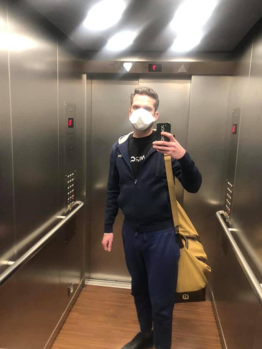Matthias Van Oost mocht het ziekenhuis ondertussen verlaten, maar moet nog drie weken alle contact vermijden., Facebook Matthias Van Oost