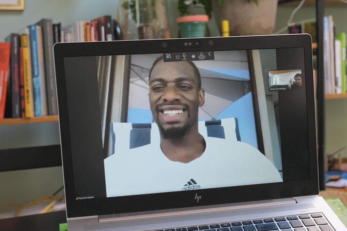 De Bruxelles à Abu Dhabi, par écrans interposés., BELGAIMAGE