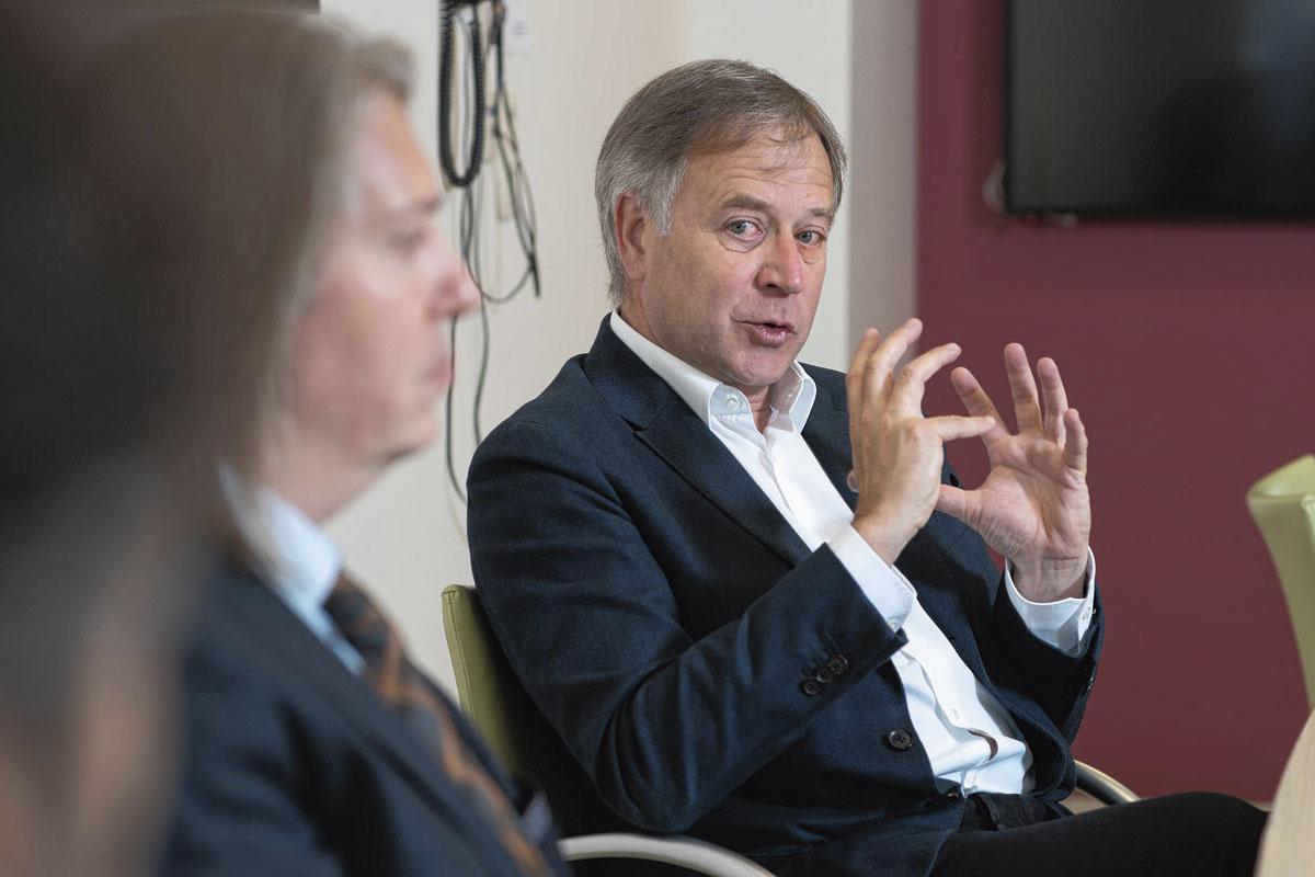 """Dr Didier Delval: """"Le contrat de mariage est devenu officiel. Il renforce les liens entre les hôpitaux et les travailleurs."""", Th. Strickaert"""