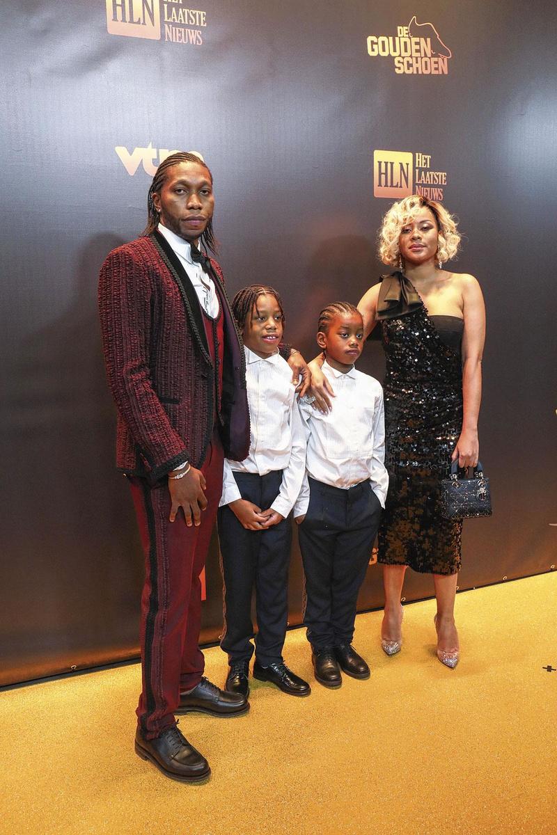 Dieumerci et Marlène avec leurs fils Jess et Bradley., BELGAIMAGE