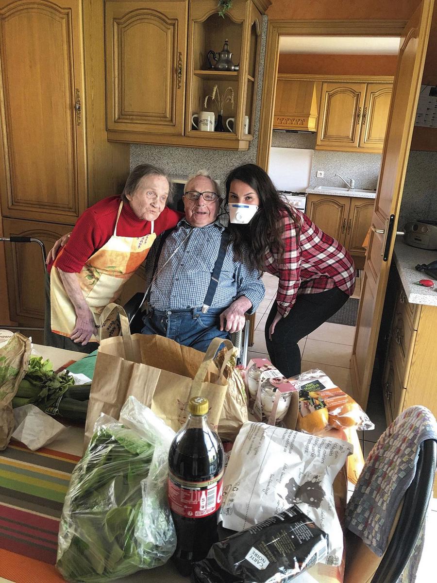 Unicité vient en aide aux personnes âgées., PG