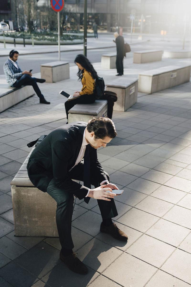SOCIALE MEDIA Gebruik sociale media enkel om contact te houden met mensen., Getty Images/Maskot