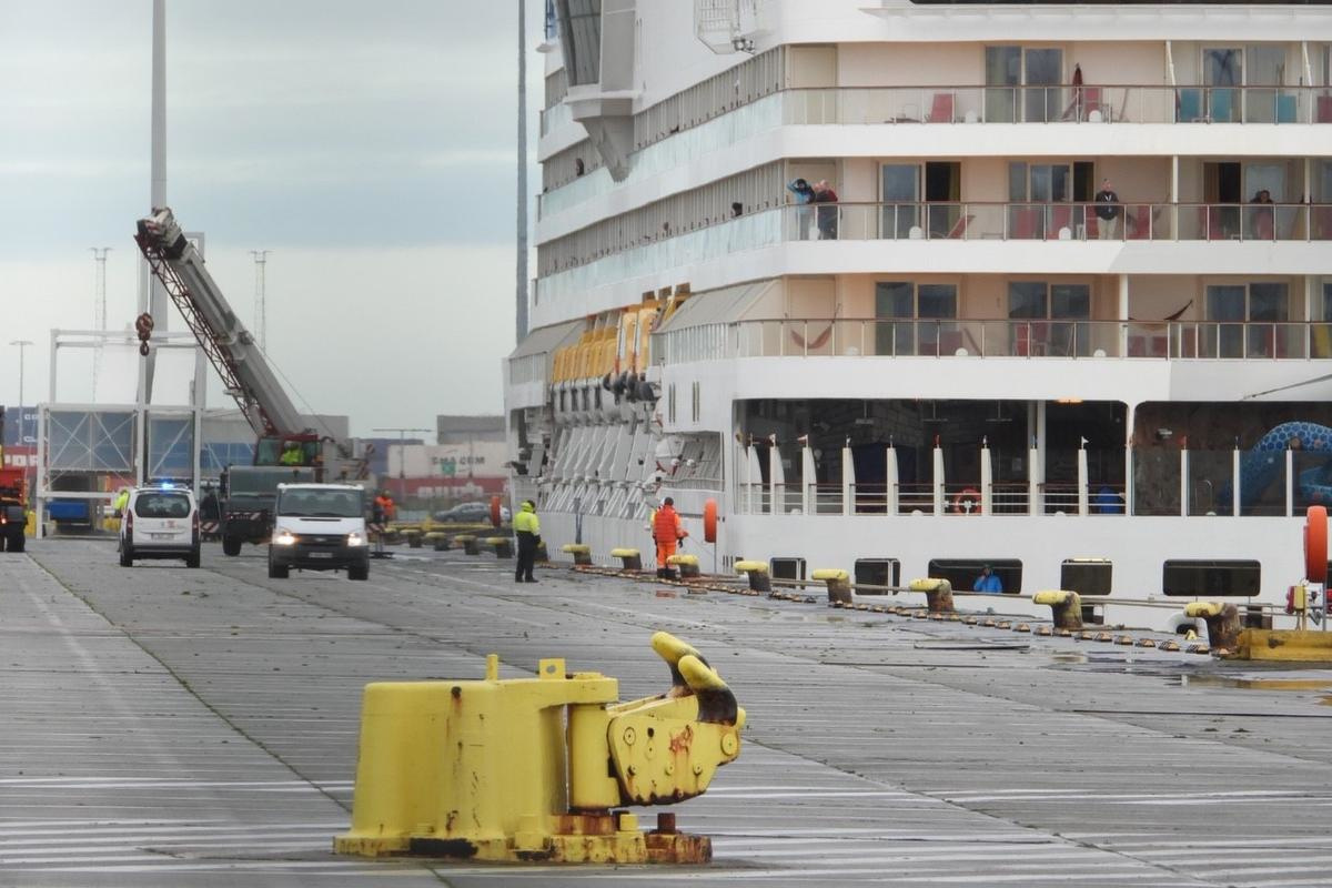 De 3.000 passagiers mochten het schip een tijdlang niet verlaten., Jan Van Maele