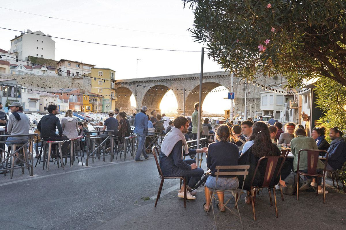 L'apéro à Marseille, un rite quasi sacré., GETTY IMAGES / SDP