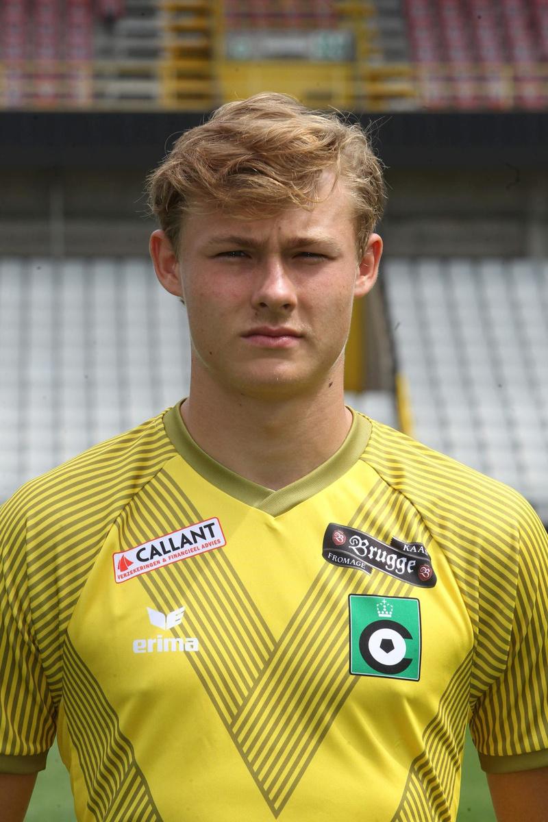 Dimi Carré is een jeugdige doelman die van Cercle Brugge overkomt., VDB