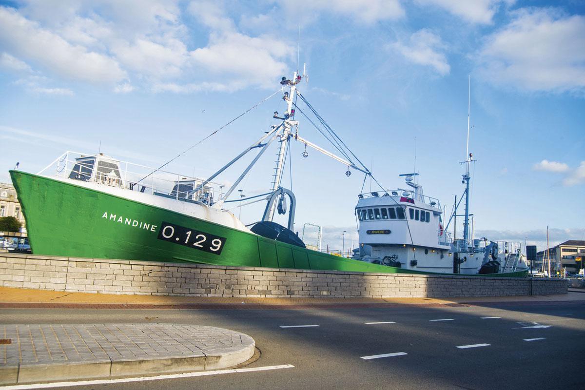 De l'Amandine au Mercator, flottent ici des bateaux qui n'ont plus vu la haute mer depuis un bail... mais qui demeurent fascinants., sdp