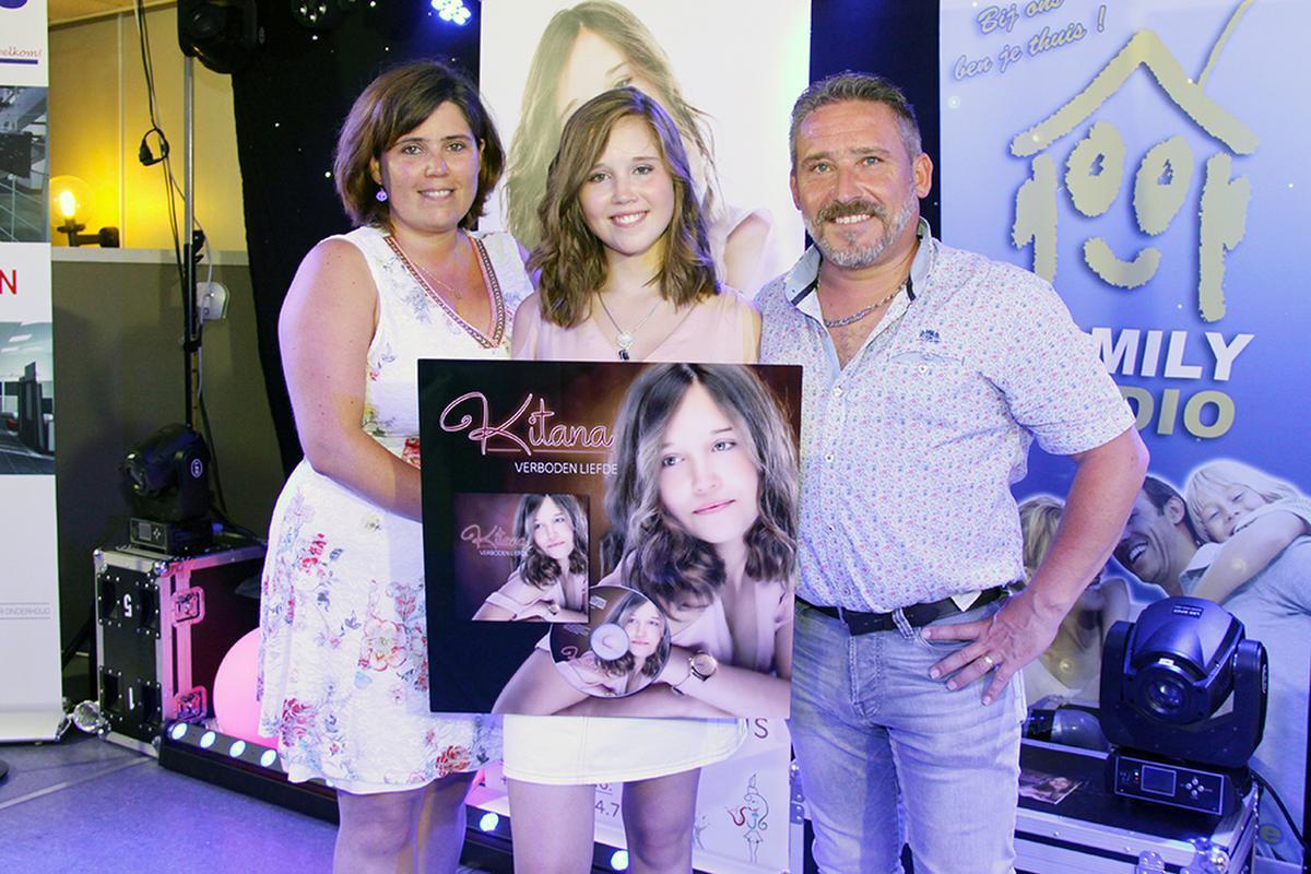 Kitana, samen met haar ouders Virgeni en Andy uit Wevelgem., PADI/Daniël
