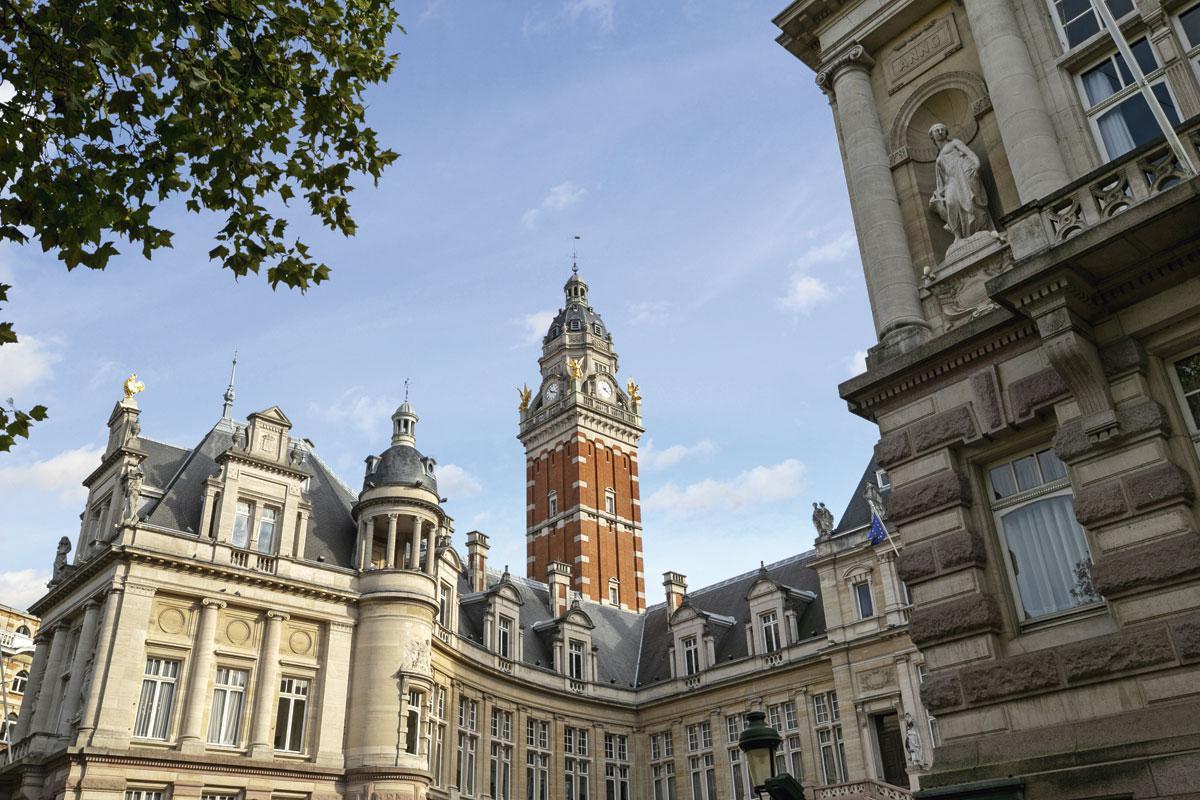 L'hôtel de ville de Saint-Gilles dans le style néo-Renaissance français, réalisé par Albert Dumont en 1904., LAURENT BRANDAJS