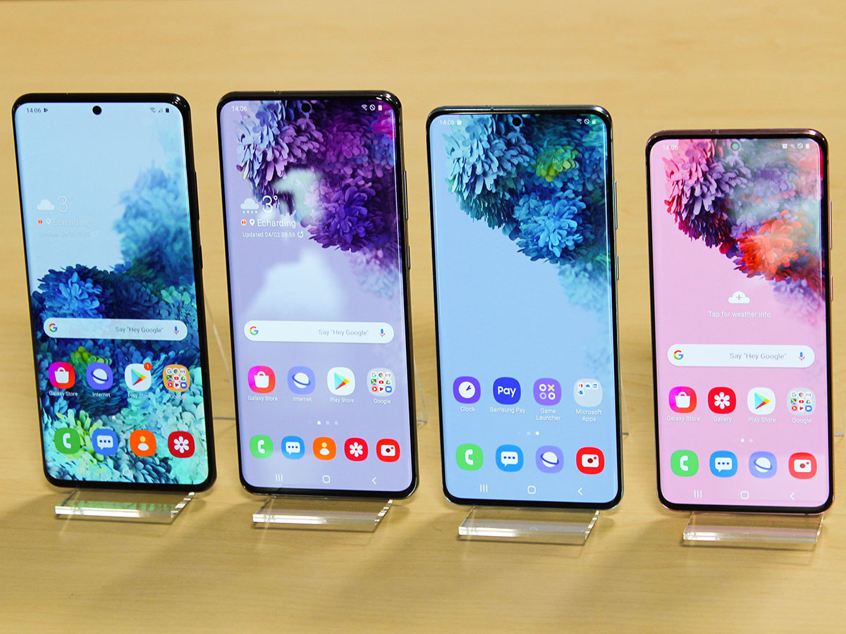 De gauche à droite: 2X le Galaxy S20 Ultra, Le S20+ et le S20., PVL