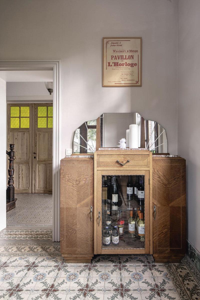 Aujourd'hui, le Pavillon de l'Horloge est soigneusement aménagé avec du mobilier de l'entre-deux-guerres., OLMO PEETERS