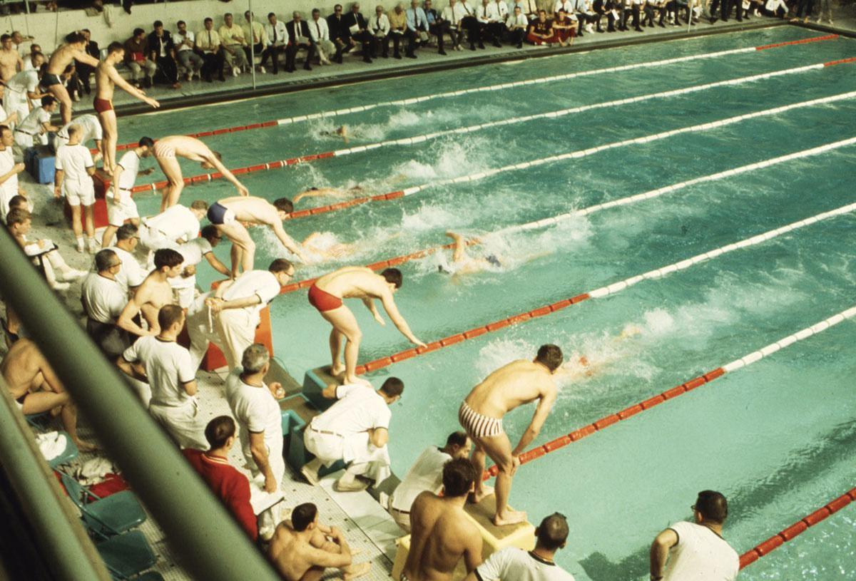 Des athlètes vêtus de slips de bain, aux JO de 1968., photos: Getty images, Imaxtree & SDP