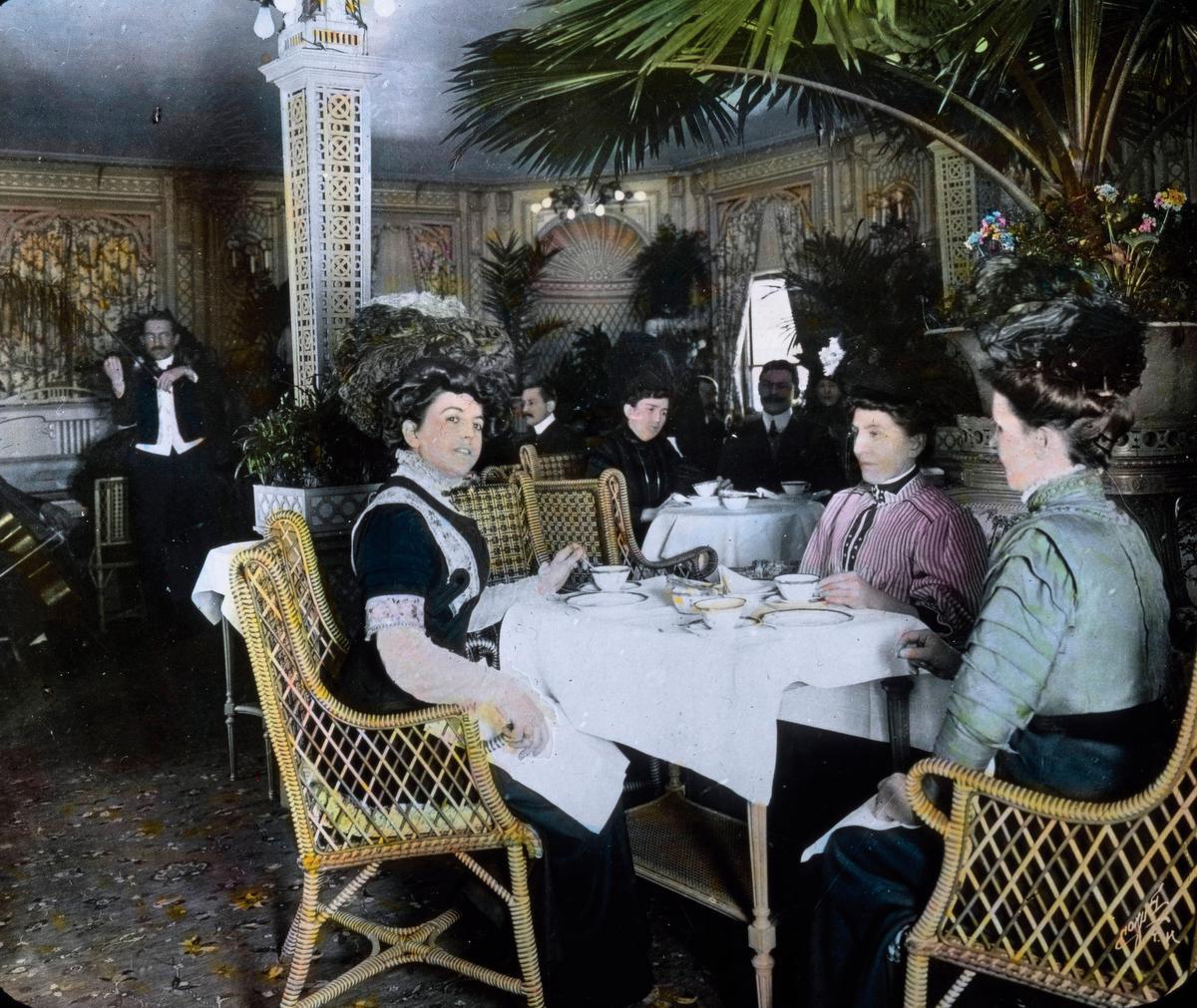En première classe, les passagers du Titanic étaient assis sur des sièges en rotin de la marque britannique Dryad., Bridgeman Images