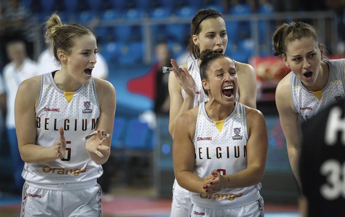 Kim Mestdagh, Marjorie Carpreaux en Emma Meesseman juichen. Kunnen ze dat straks ook doen na het olympisch kwalificatietoernooi?, BELGAIMAGE
