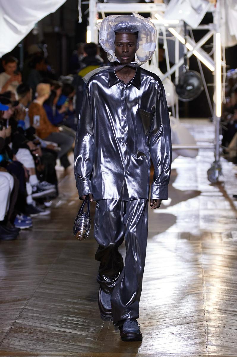 Le costume glam chez Botter, Imaxtree