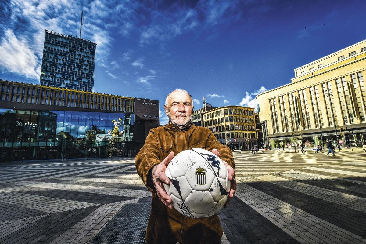 Assistent-trainer Mario Notaro op La Place Verte: 'Links en rechts vind je nu eindelijk wat aangename hoekjes in de stad.', KOEN BAUTERS