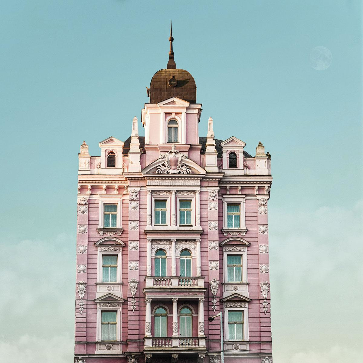 Hotel Opera in Praag, een van de vele locaties in het boek., VALENTINA JACKS
