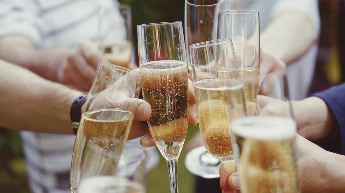 Activité estivale : apprendre à goûter le champagne, Getty Images