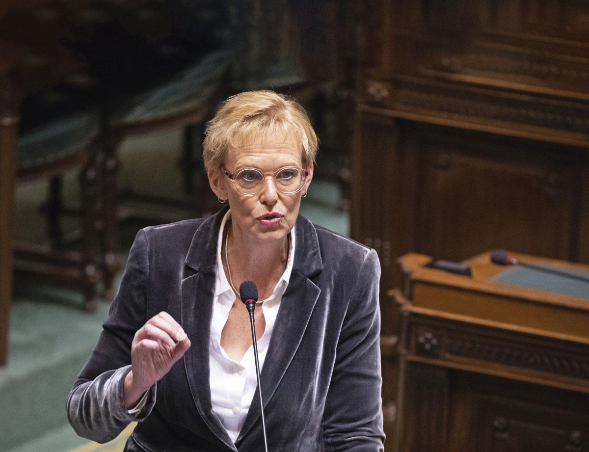 La ministre des Pensions Karine Lalieux (PS) Elle dément vouloir financer la hausse de la pension minimum avec l'argent du deuxième pilier., BELGAIMAGE