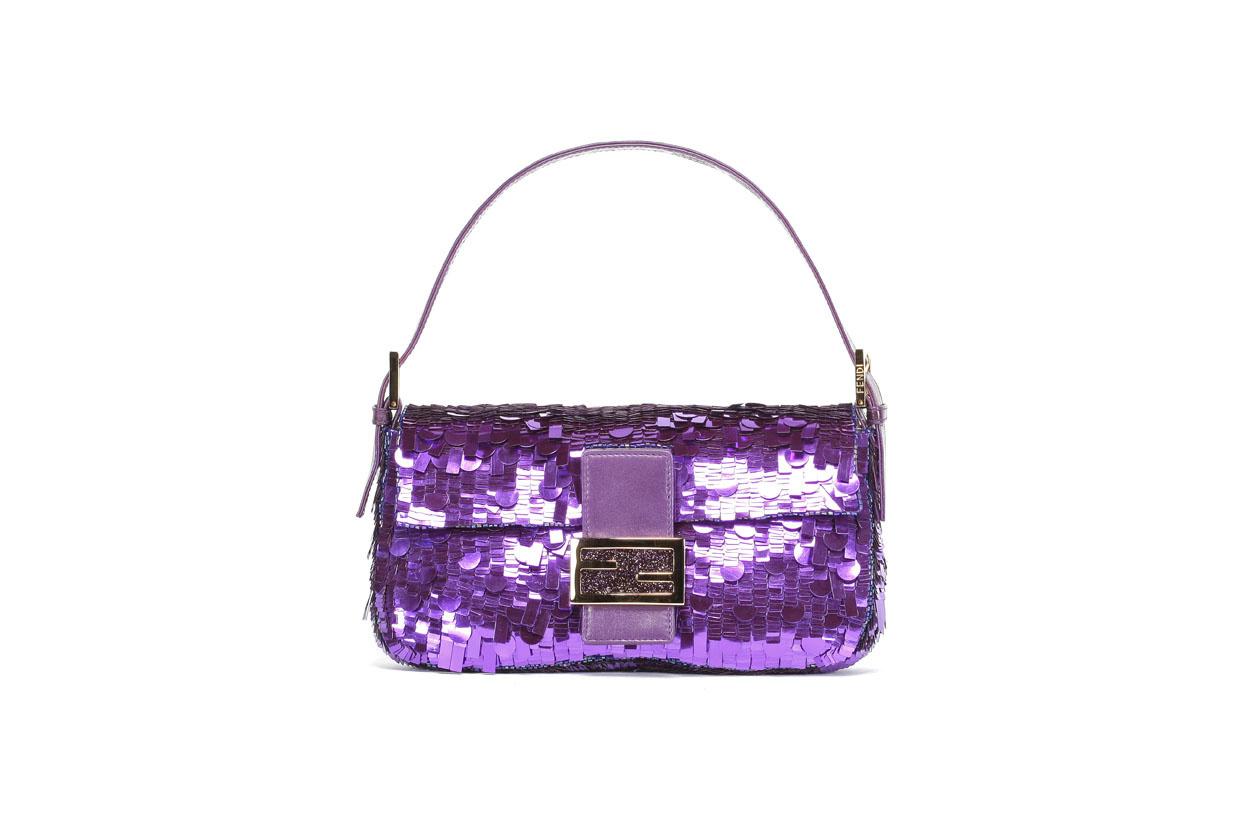 Le Baguette bag de Fendi porté par Sarah Jessica Parker dans Sex and the City, 2000, Italie, DR