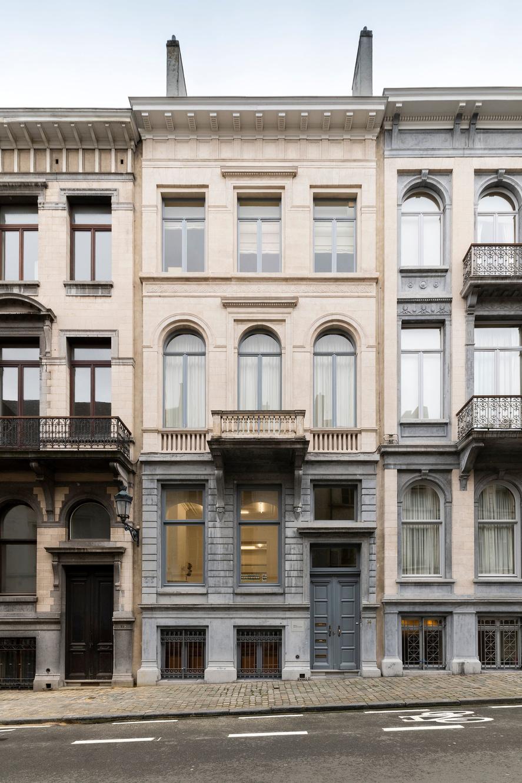 Jaqueline Martins Galeria, Hugard & Vanoverschelde