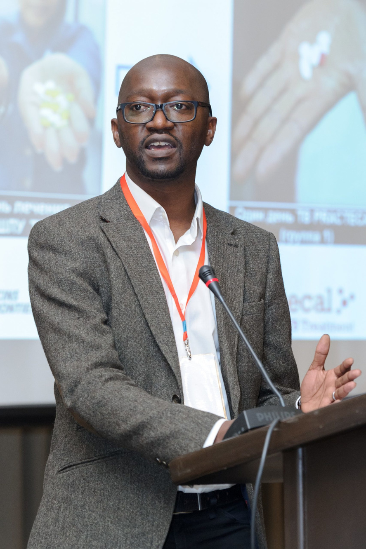 Dr. Bern-Thomas Nyang'wa, hoofdonderzoeker van de studie., AZG