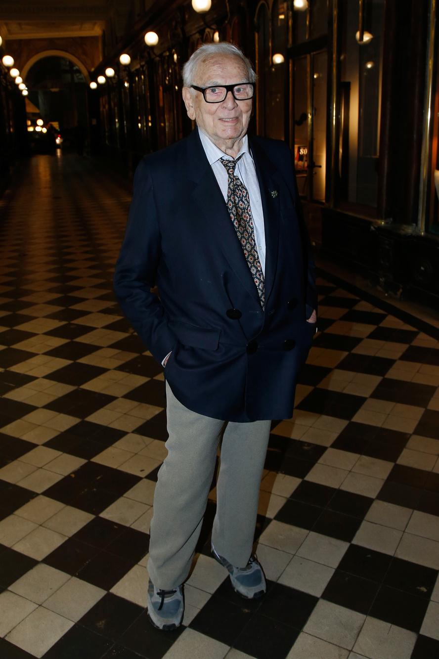 Le créateur Pierre Cardin, 97 ans, et adepte de la basket, Getty Images