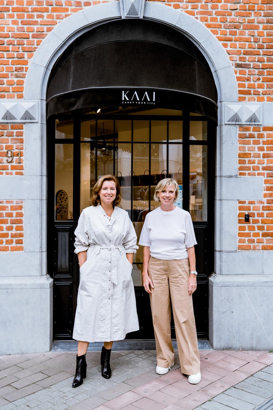 Ine Verhaert (links) en Helga Meersmans (rechts), de drijvende krachten van KAAI, Foto R.V.