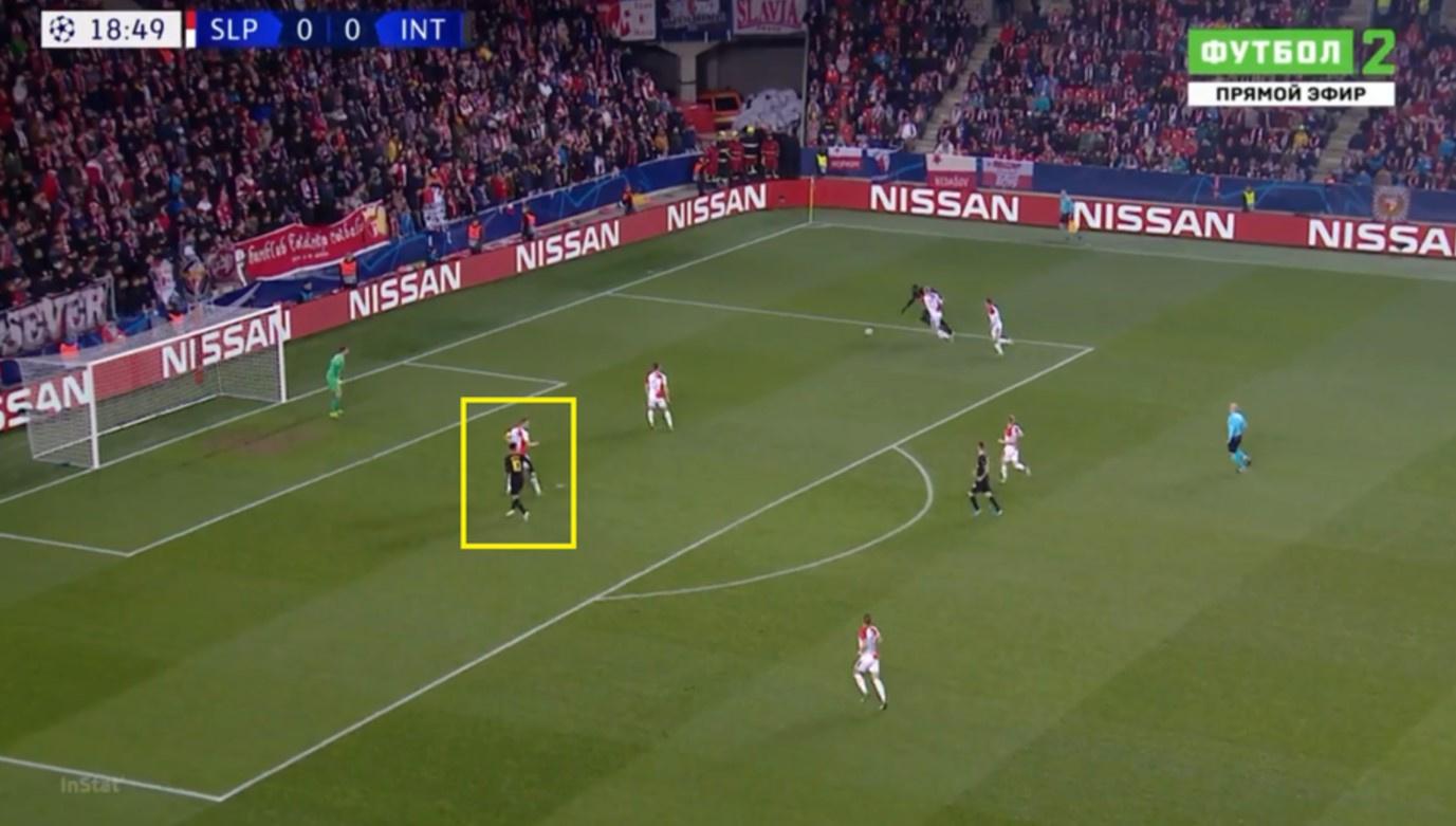 De goal in de CL tegen Sparta Praag toont de verstandhouding tussen het aanvalsduo. Lukaku probeert de verdediger te dribbelen, terwijl Martínez op de loer ligt. De Argentijn weet precies met welke passeerbeweging de Rode Duivel zich gaat vrijmaken en stemt zijn loopbeweging daar op af. Een schijnbeweging naar links, dan achterdoor gaan naar de eerste paal. Lukaku geeft voor en Martínez schiet vanop de kleine backlijn simpel binnen., Sky Sports