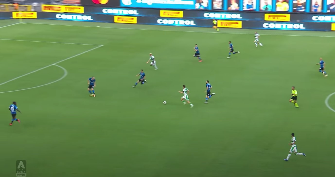 Djuricic bedient Caputo in de rug van Ranocchia en het staat 0-1 voor Sassuolo., Sky Sports