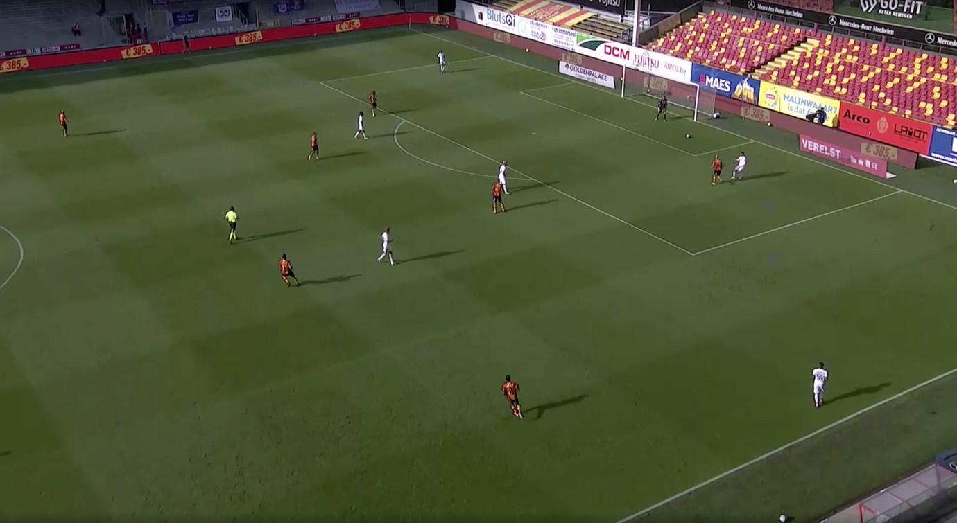KV Mechelen zet druk wanneer Anderlecht probeert op te bouwen van achteruit., Eleven Sports