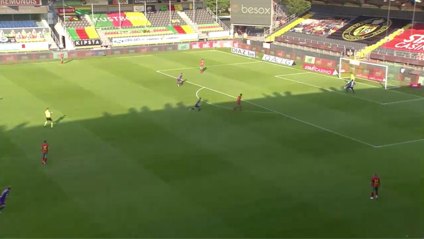 Hubert speelt in op D'Arpino, terwijl Pietermaat al onderweg is om hem onder druk te zetten., Eleven Sports