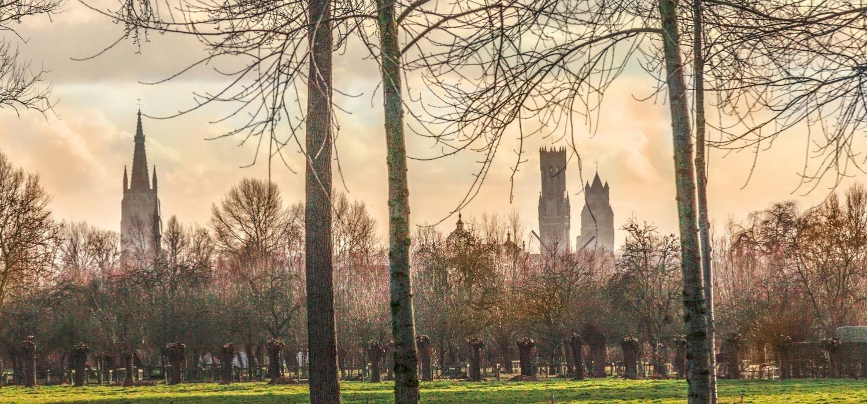 Onder meer vanop de Brugse Vesten kan je de drie torens van Brugge spotten., Westtoer APB