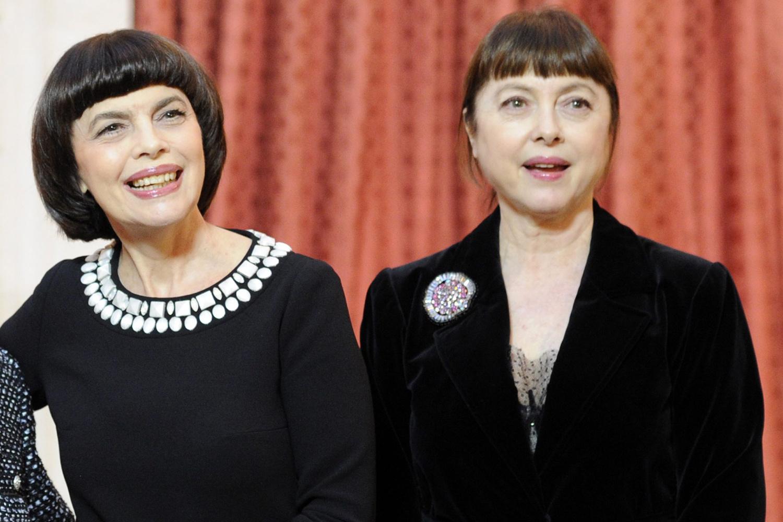 La chanteuse française Mireille Mathieu et sa soeur Matite, Belga Images