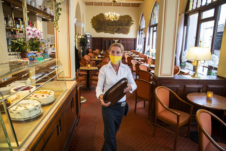 Restaurant en Allemagne, au moment du déconfinement, début mai, Belga Images