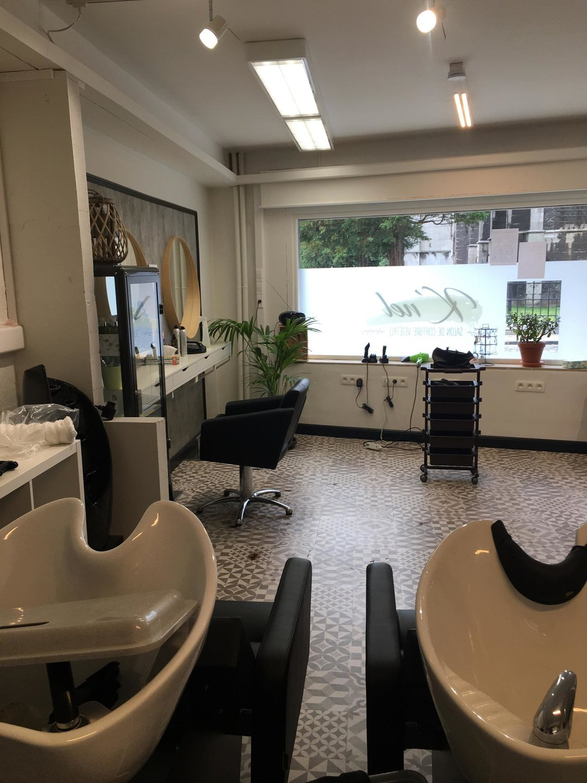 Le salon de coiffure aménagé, Julie Nicosia