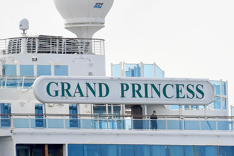 Le paquebot de croisière Grand Princess , mis en quarantaine au large de San Francisco, Belga Images