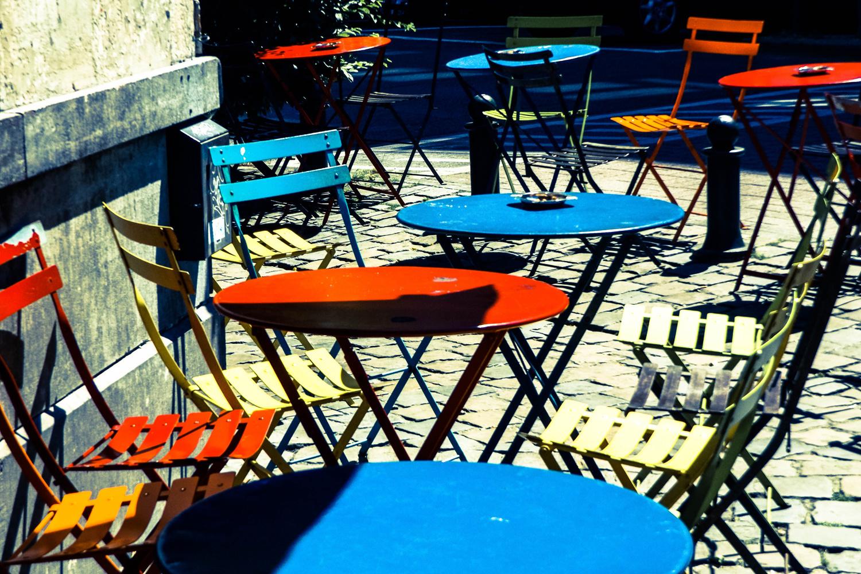 Terrasse bruxelloise déserte, Belga Images