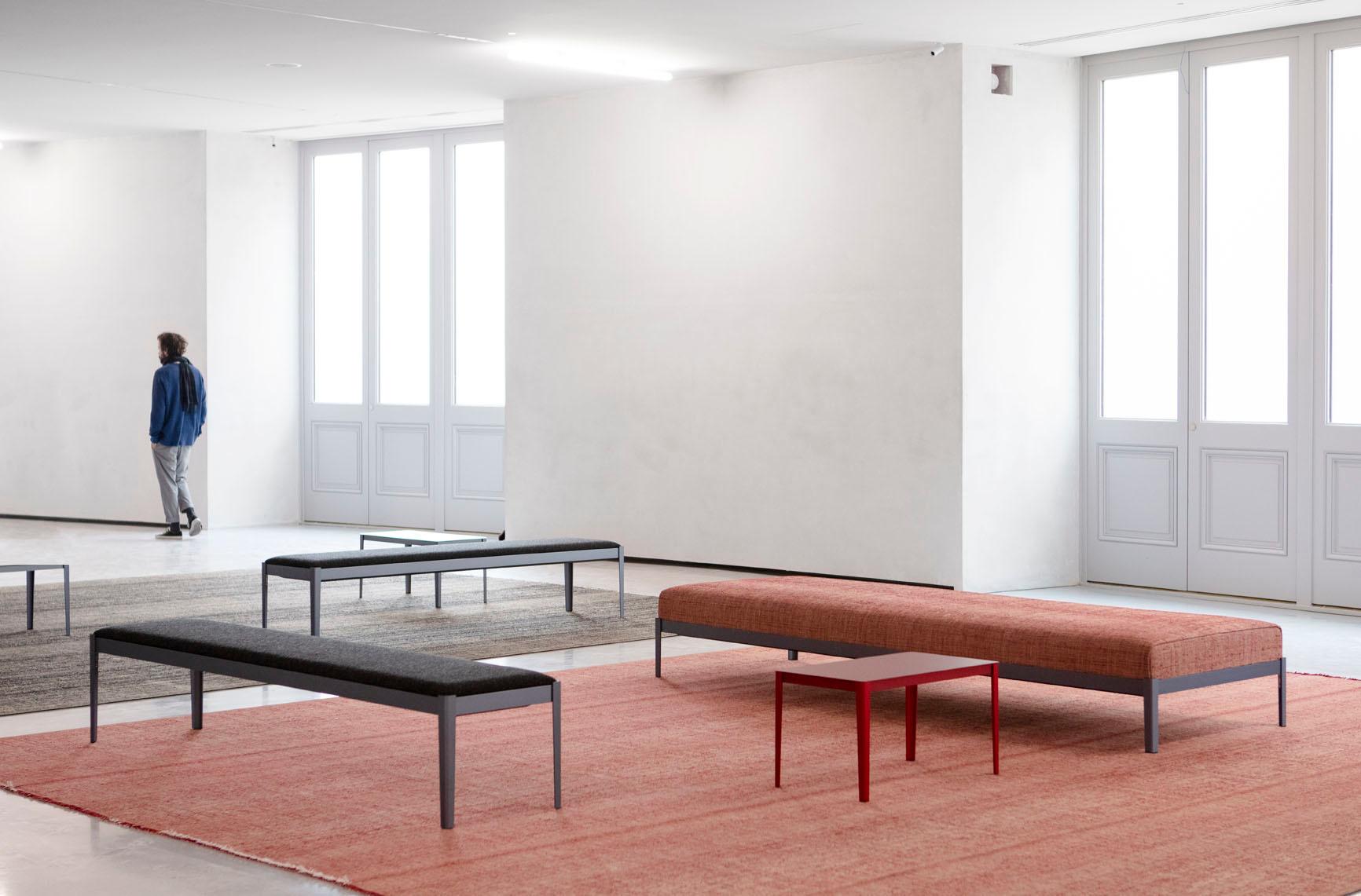 Ameublement intérieur du Salon, tapis et banquette, 2020, Studio Bouroullec Courtesy Bourse de Commerce - Pinault Collection