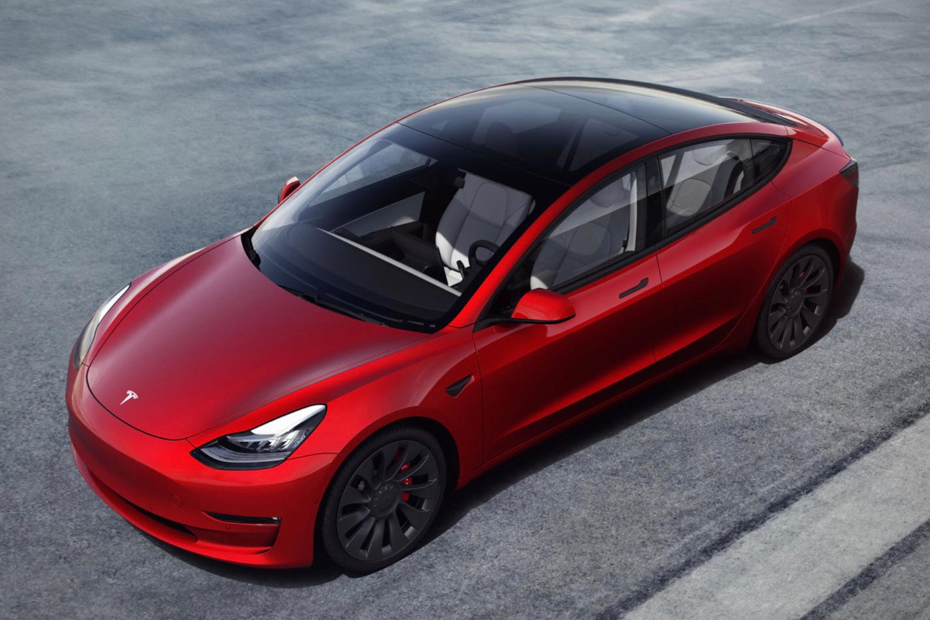 Tesla Model 3., Tesla