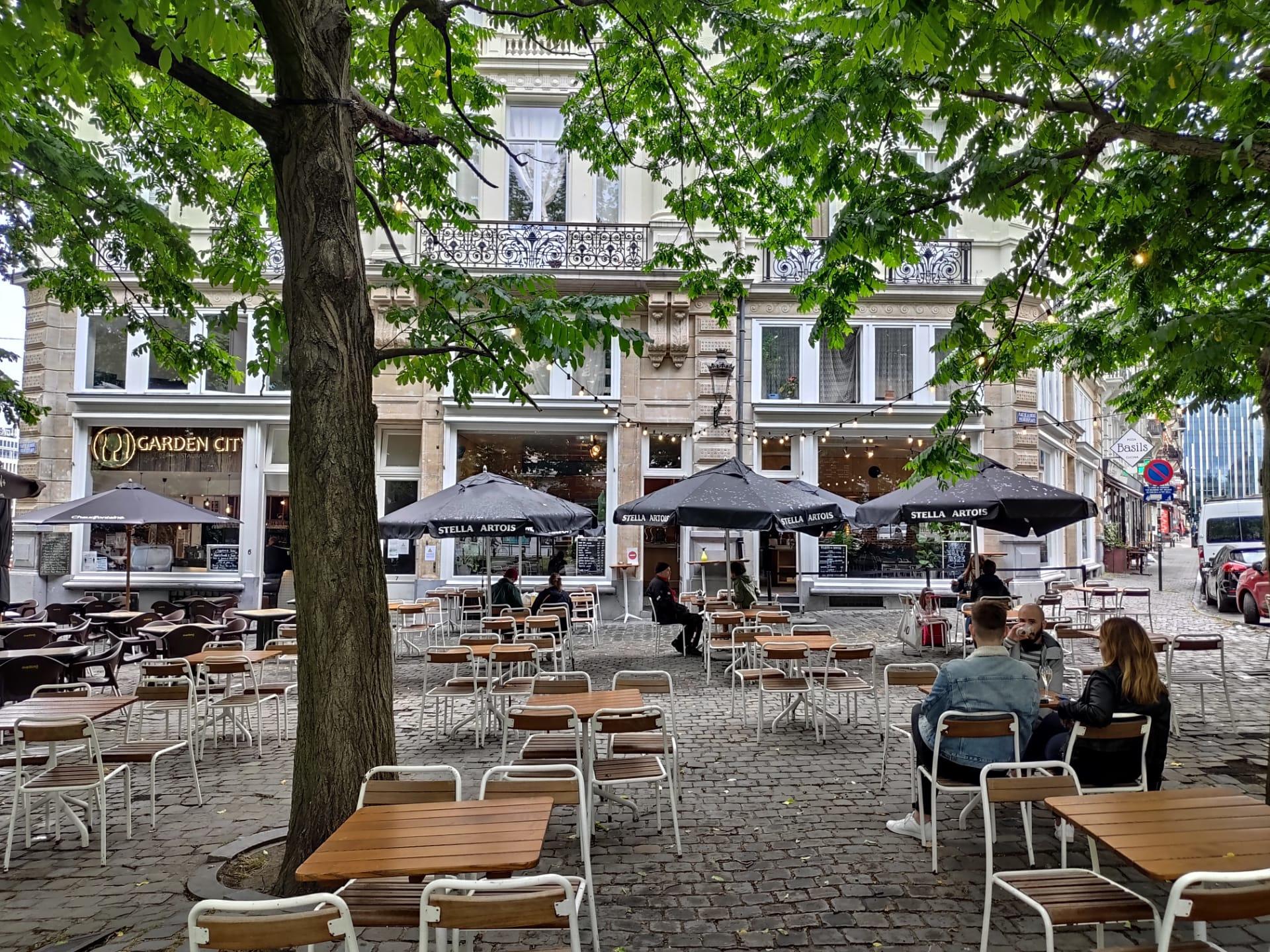 Terrasse du Caberdouche, place de la Liberté, à Bruxelles, lundi 8 juin 2020, DR