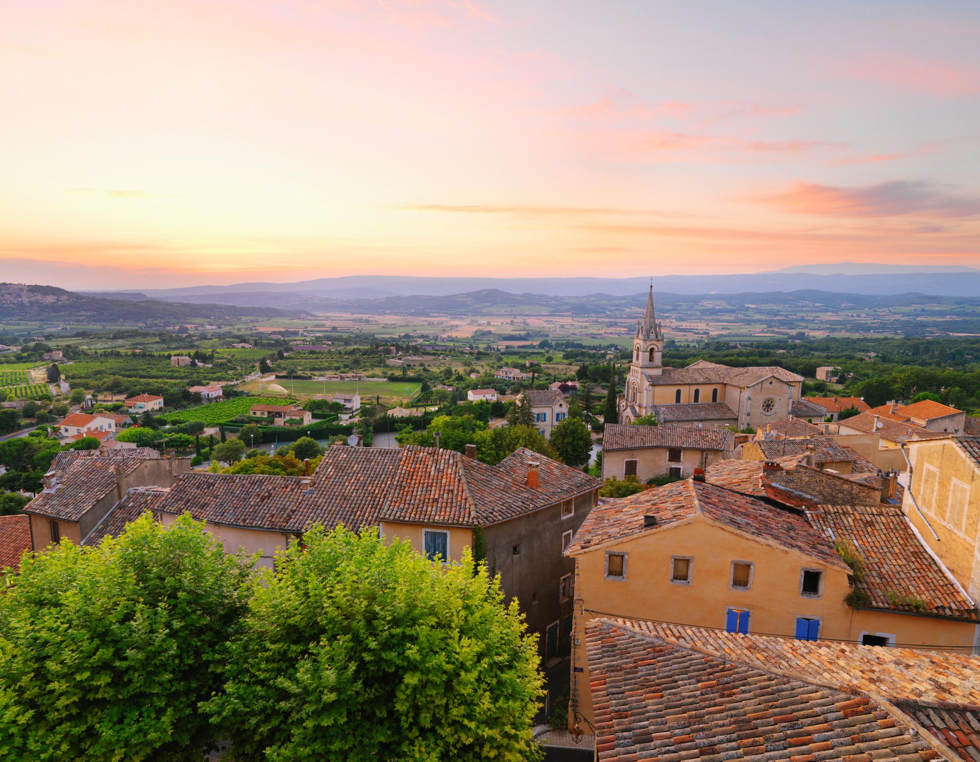 Les petits villages du Luberon tirent leur épingle du jeu., GETTY