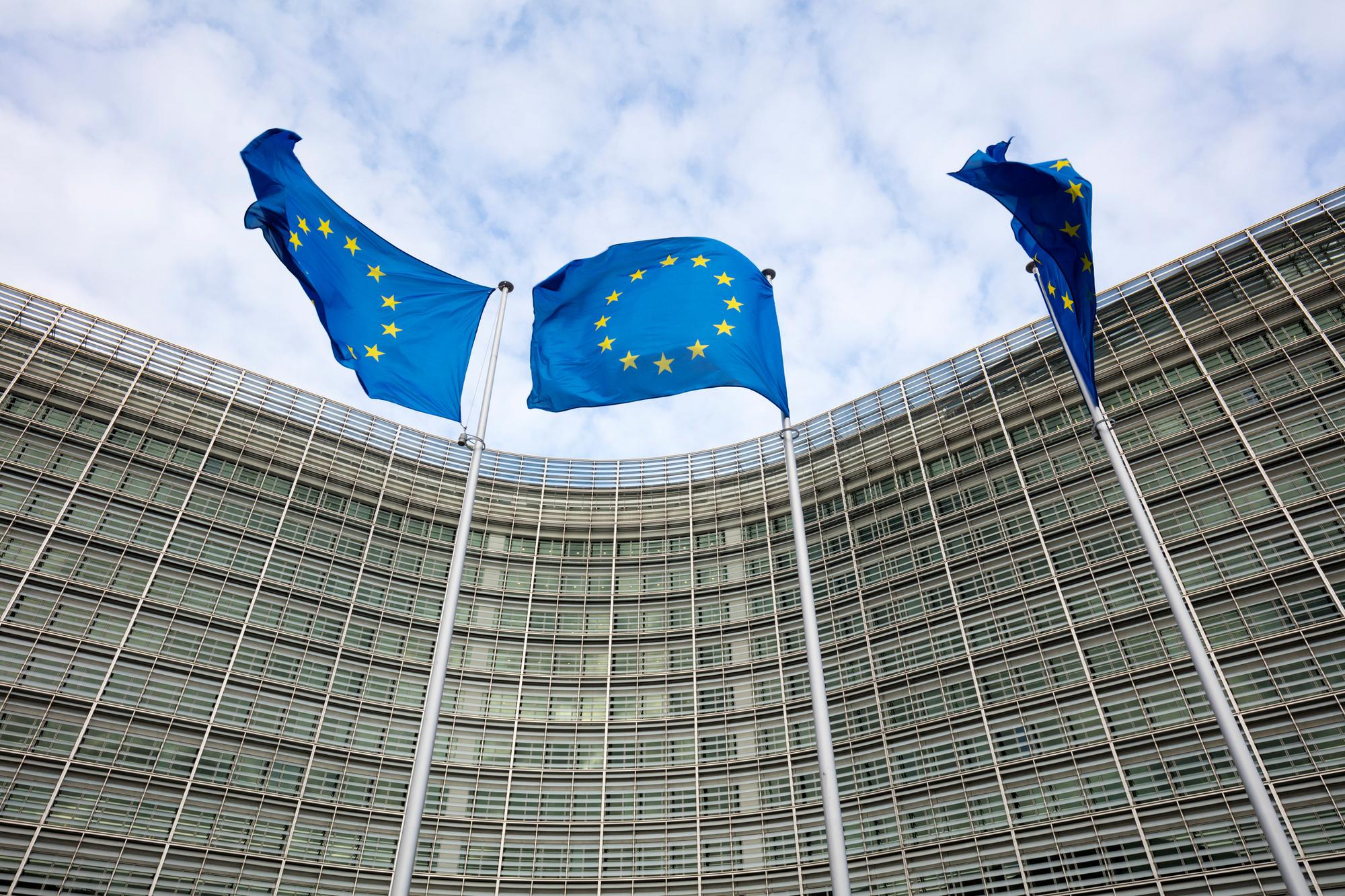 """""""Hopelijk zal het initiatief van de Europese Unie ook de Belgische burgers beschermen, zo niet zal het maskertekort zich straks als vaccintekort herhalen."""""""