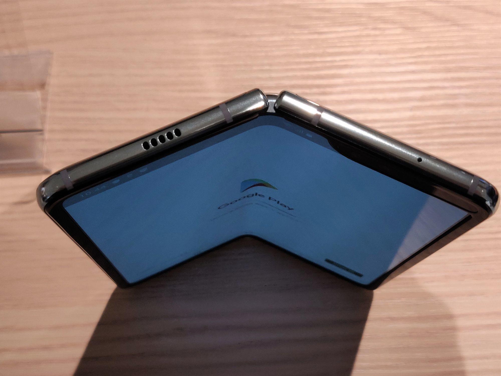 Samsung Galaxy Fold, PVL
