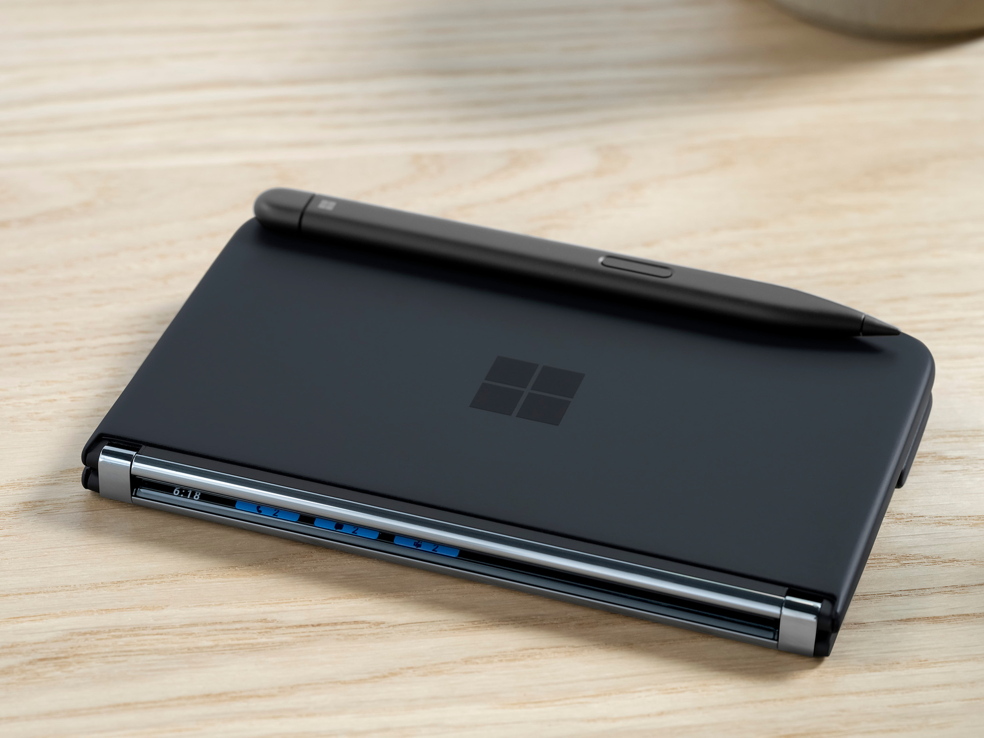Surface Duo 2, Microsoft