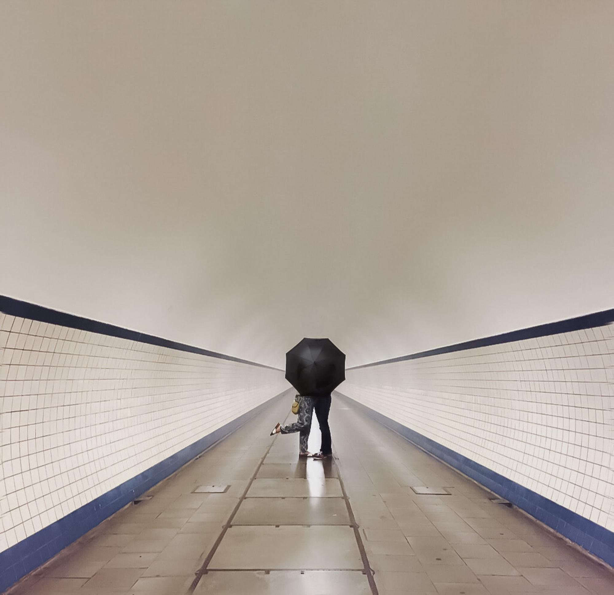 De voetgangerstunnel van Antwerpen naar Linkeroever, Sun Philippaerts