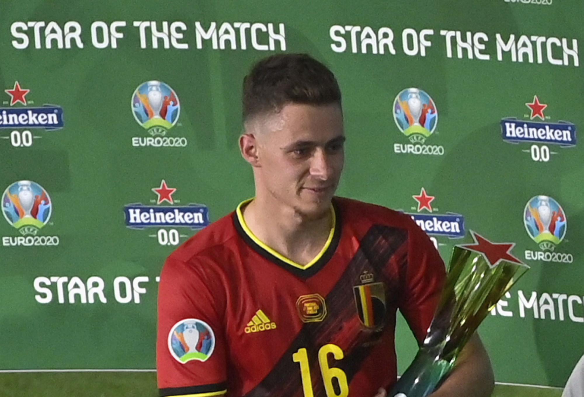 Thorgan Hazard met zijn trofee, Belga