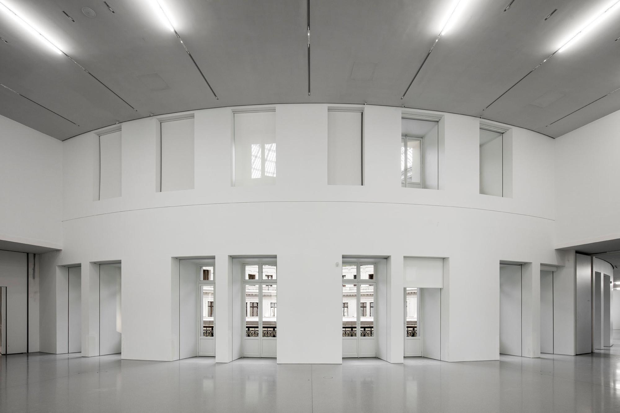 Galerie d'exposition mars 2020. Bourse de Commerce - Pinault Collection ┬® Tadao Ando Architect & Associates, Niney et Marca Architectes., Patrick Tourneboeuf