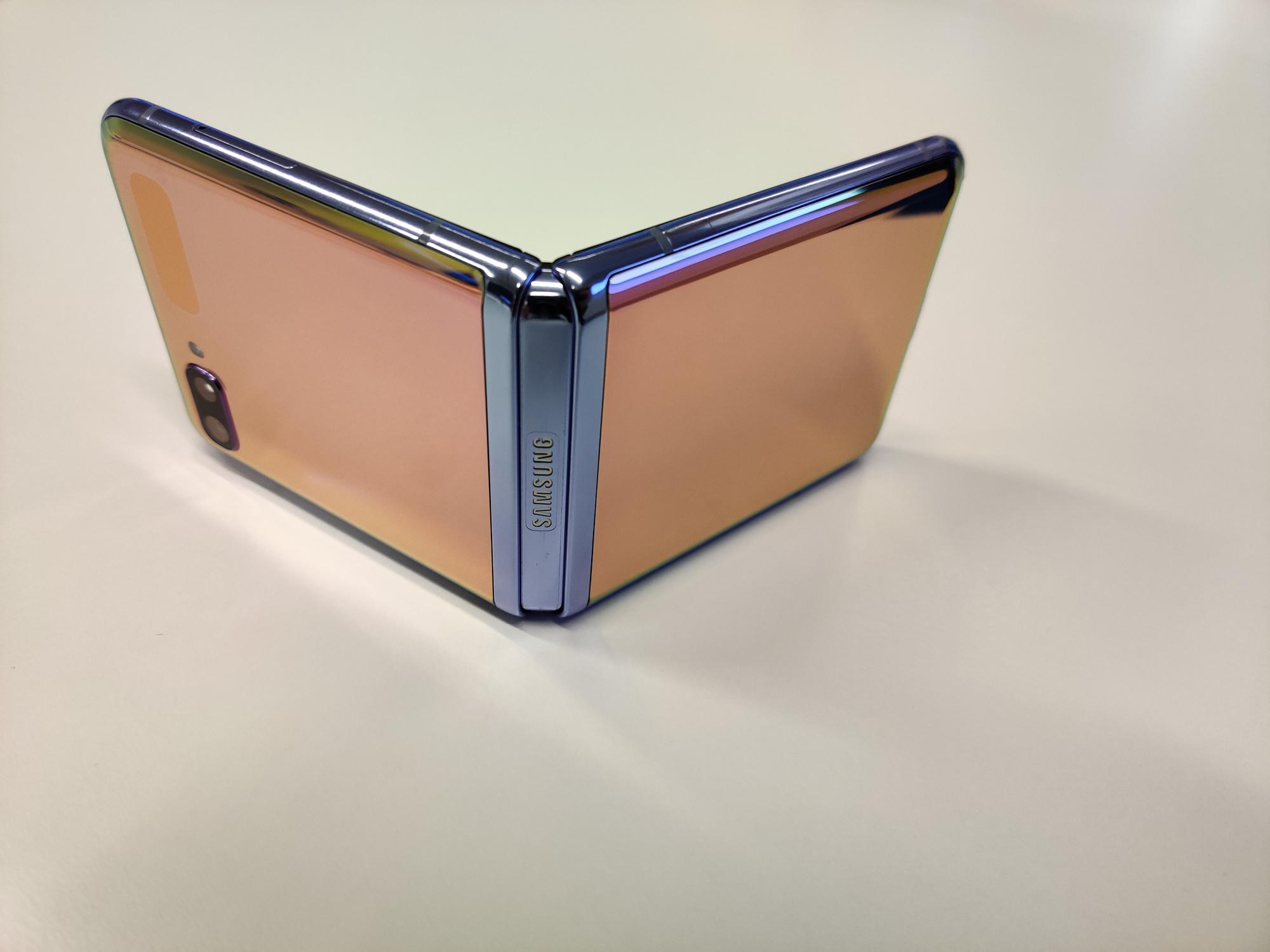Samsung Galaxy Z Flip, PVL