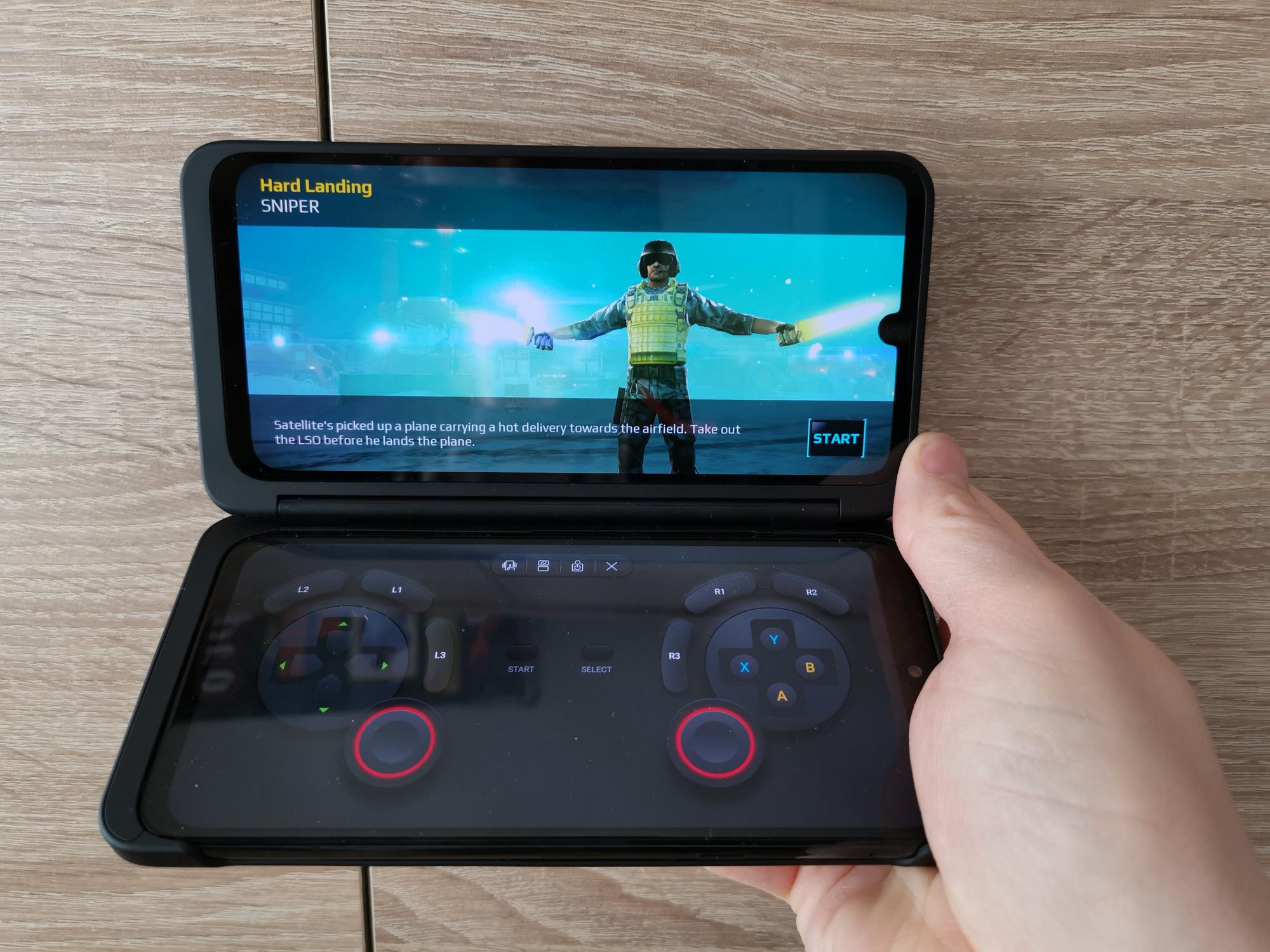 Het tweede display laat zich omtoveren tot een virtuele controller voor je favoriete games.